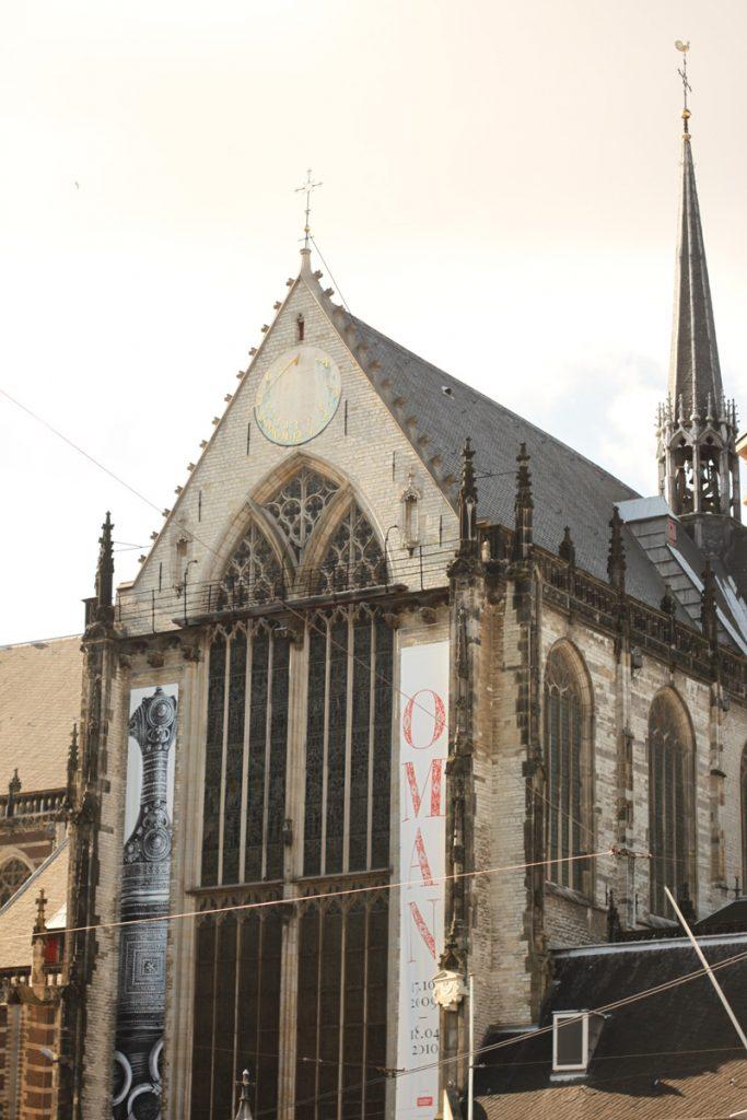 ダム広場に面した新教会