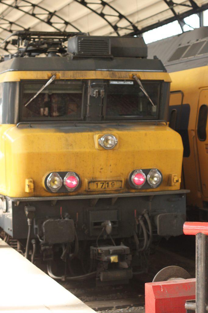 オランダの黄色い電車